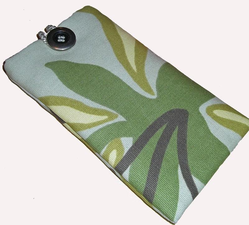 Flower Power Green Retro Inspired Mobile Cellphone Ipod Case Pouch Sock PADDED Christmas Gift