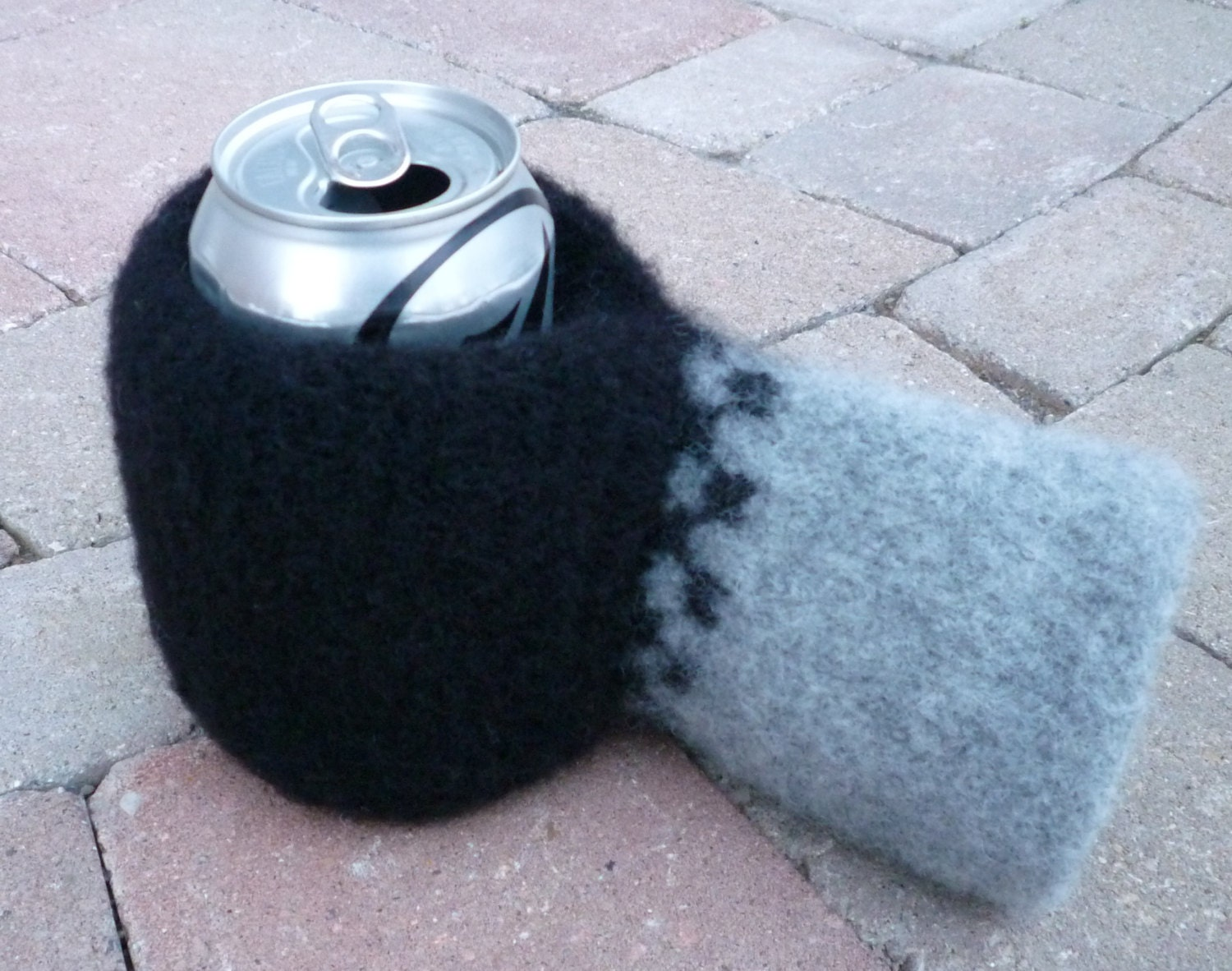 Beer Mitt Knitted Felted Black and Grey by lillandsissel on Etsy