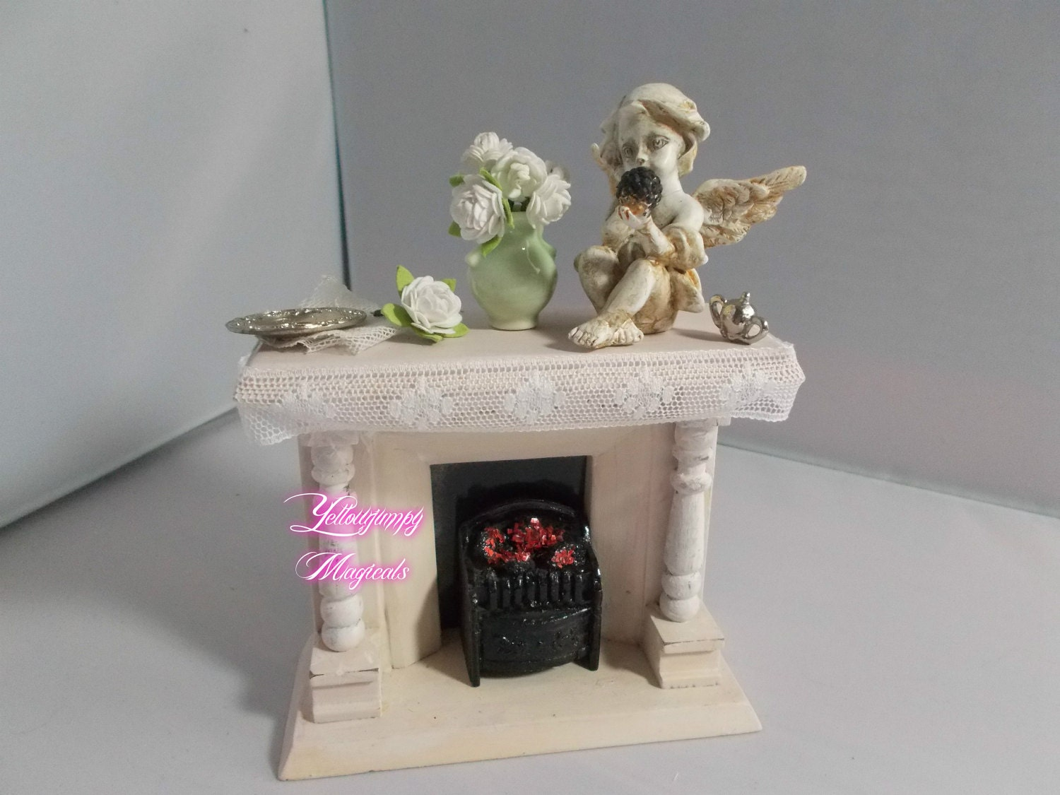 112th miniature dollhouse Shabby chic Fireplace with fire With Cherub statuette and white roses