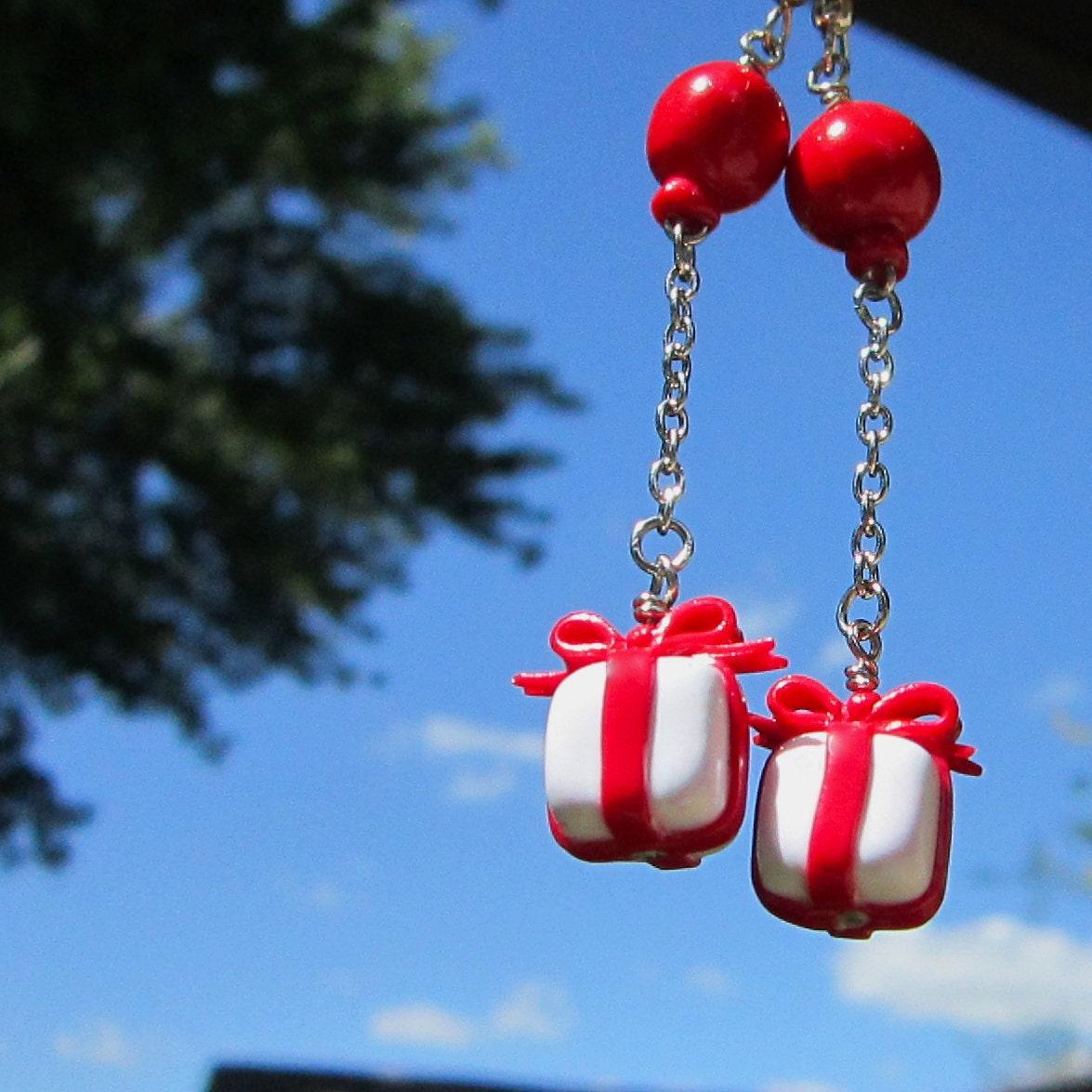 Animal Crossing floating balloon present earrings - TrenoNights