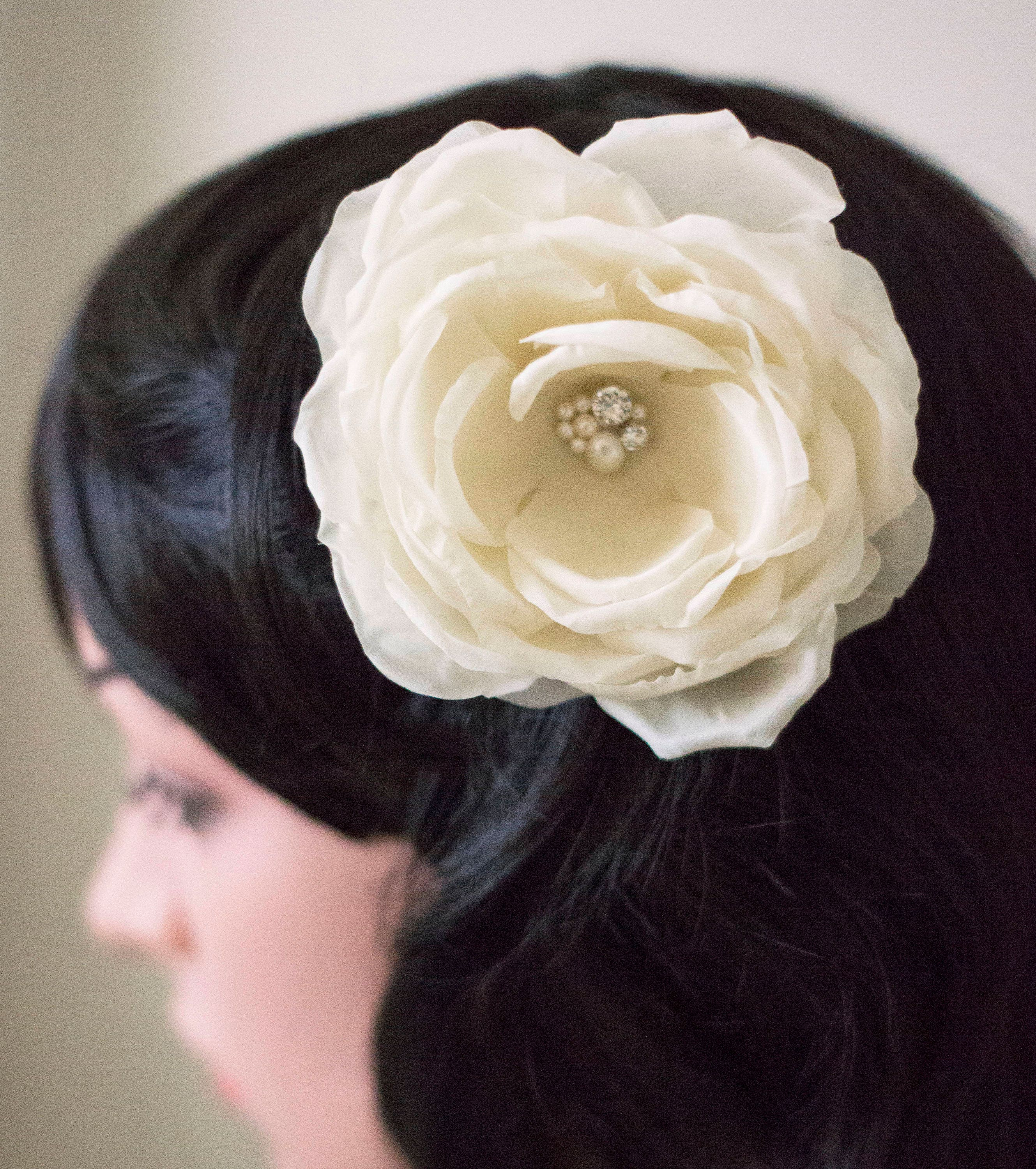 Bridal hair comb  Silk flower  Ivory hair comb  Fabric flower  Hair flower
