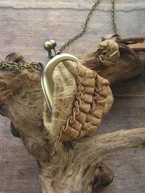 мини ожерелье кошелек - роу и Хида
