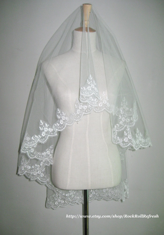 Ivory Elbow Length Lace Wedding Veil