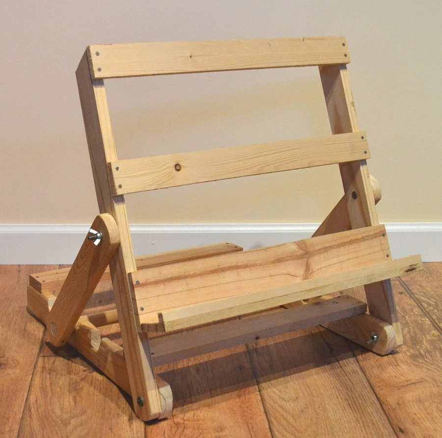 Portable Art Exhibition Stands : Natural upcycled pallet wood portable art easel by justaboute