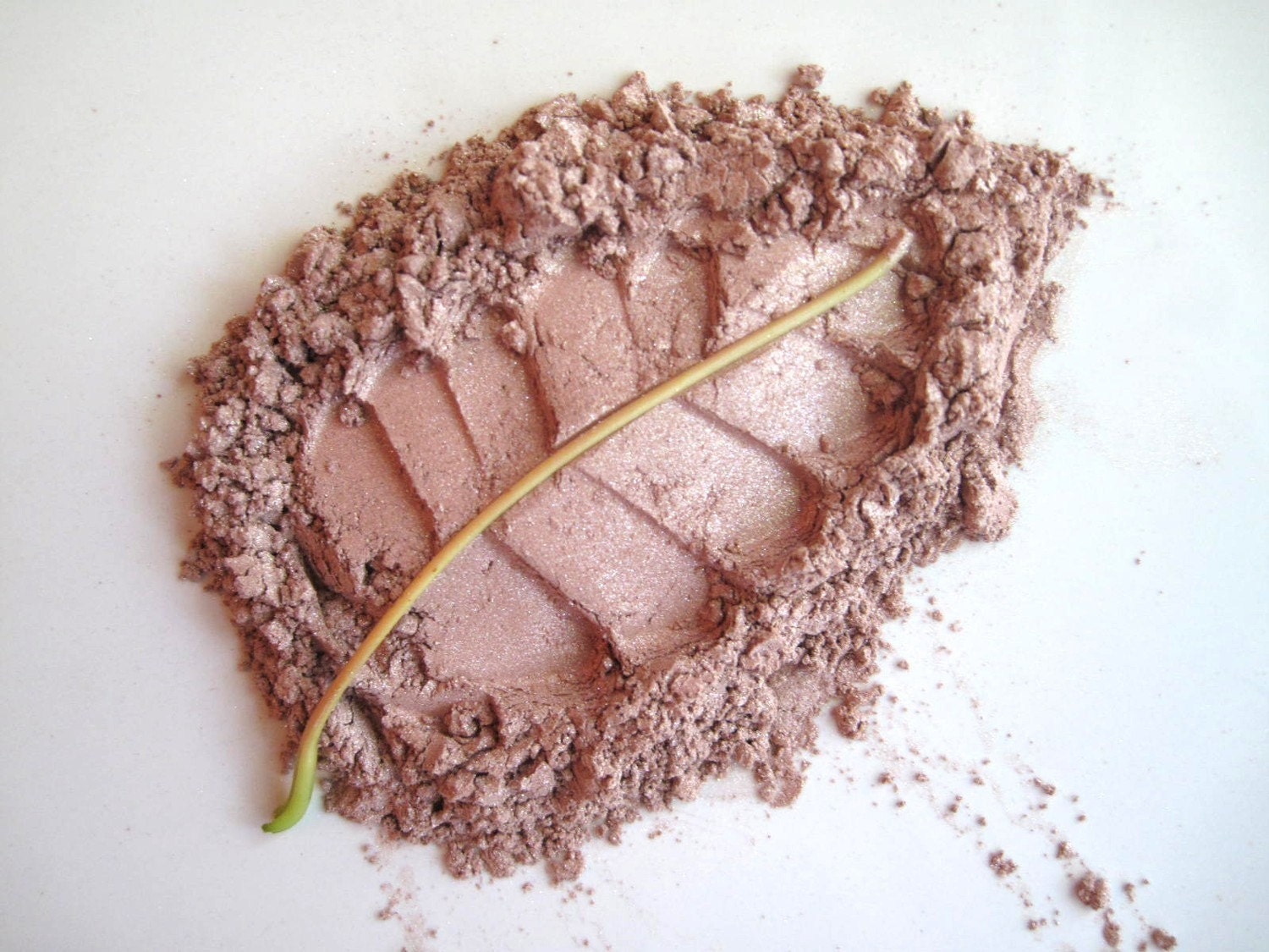 Soft Wildflower - Pure and Natural Mineral Eye Shadow