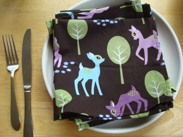 Cloth Napkins with Playful Deer a Michael Miller print