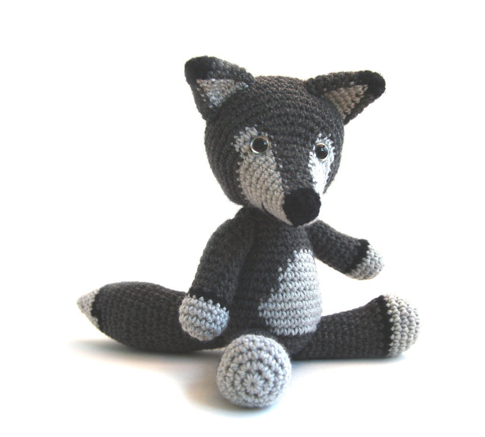 Amigurumi Pattern Wolf ~ jadesf.com for .