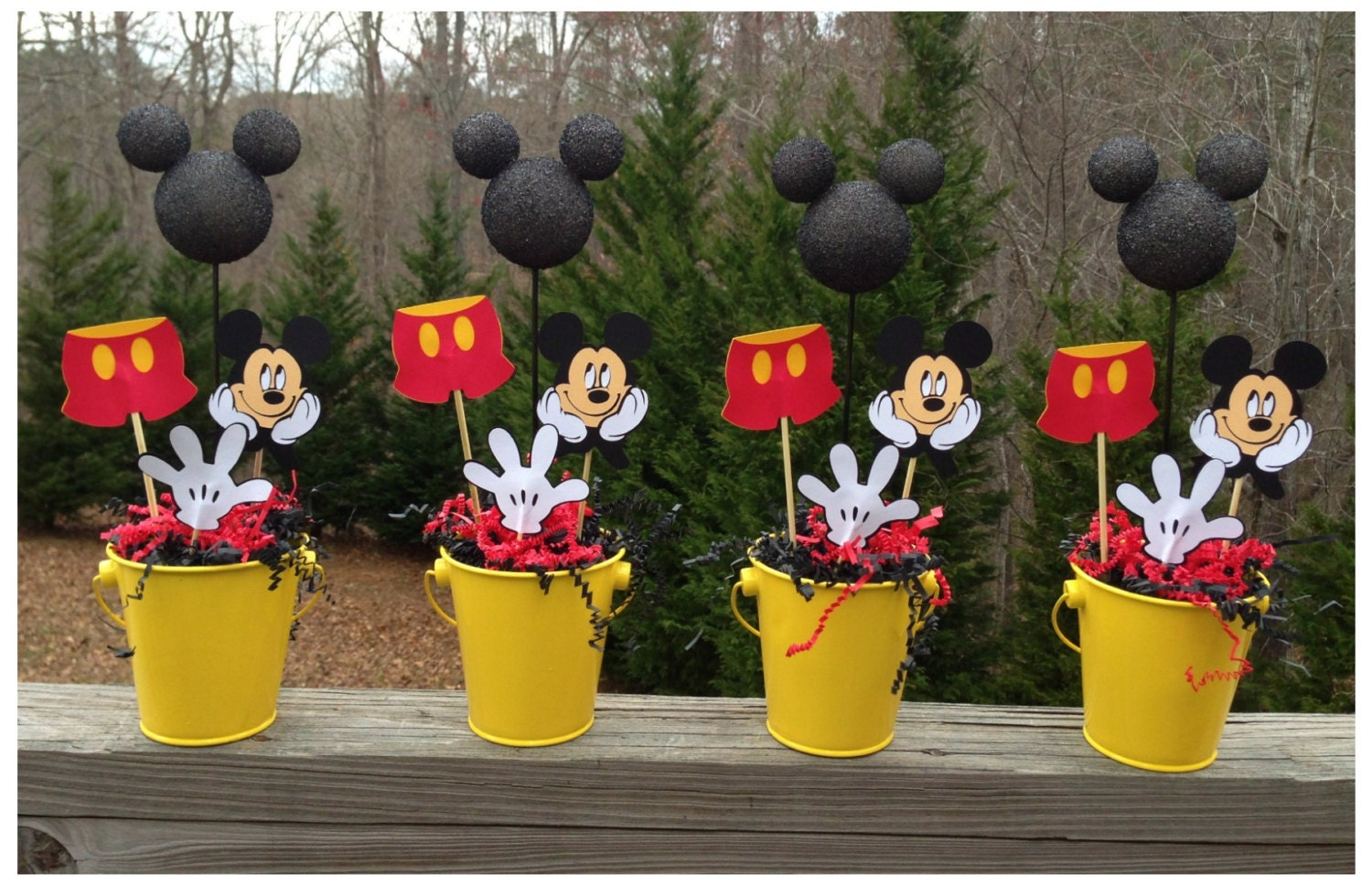 Very Best Mickey Mouse Birthday Table Decorations 570 x 368 · 74 kB · jpeg