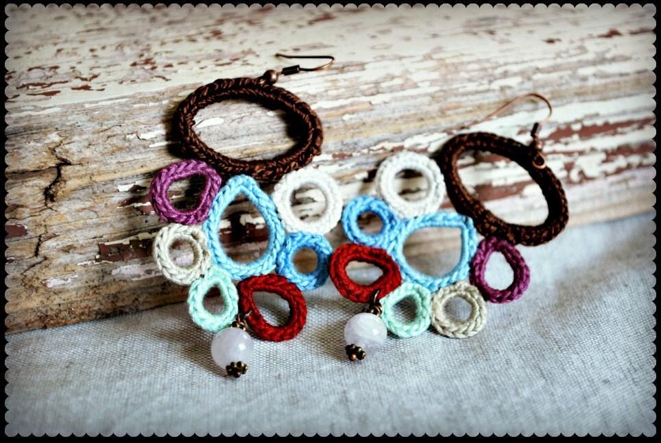 Поддавки Вязание Серьги в коричневый, светло-синий, бордовый и сиреневый.  Легкие летние ювелирные изделия.  Современные Boho