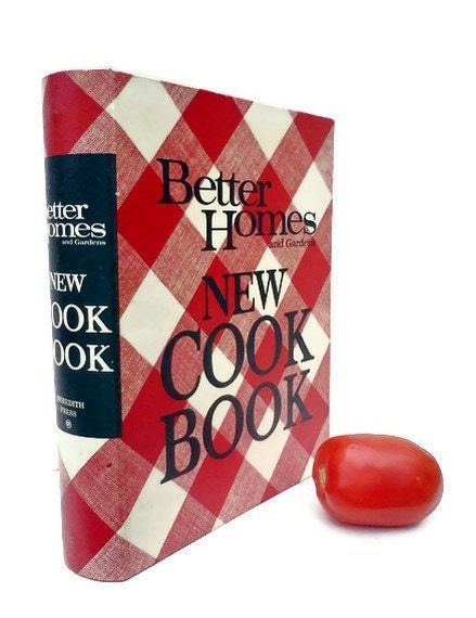 Better Homes and Gardens New Cook Book 1968 - WeeLambieVintage