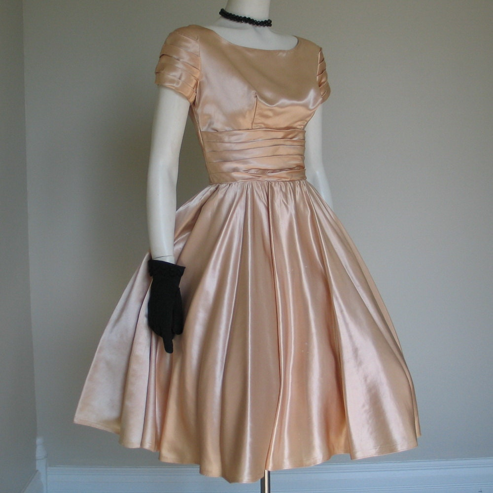Vintage 1950s Fit N Flare Champagne Satin Party Dress B 38 - LessThanPerfect