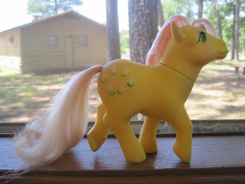 Pic of Posey, a yellow vintage My Little Pony