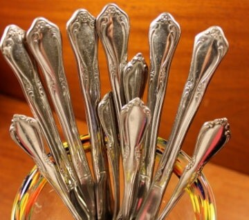Popular items for oneida flatware on Etsy