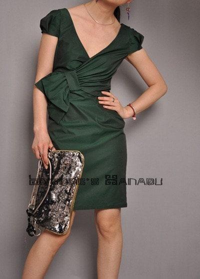 زیبا زمرد سبز پنبه V گردن کمان آستین پف شیفت لباس کوکتل را نصب