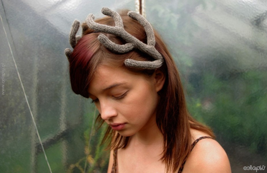 Antlers Headpiece in Taupe - celapiu
