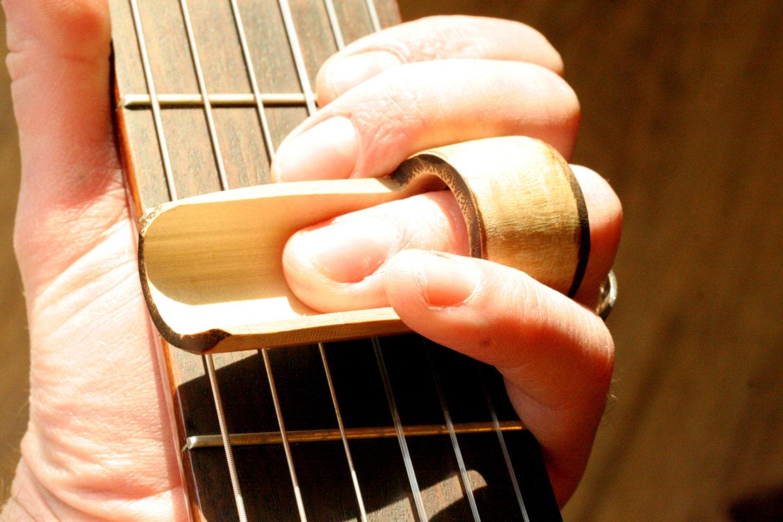 Reversable Bamboo Guitar Slide . Handmade in Nashville . Raw Natural Folk Blues Sound . Great Gift for any Guitarist - GuitarPickCollection