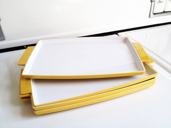 Set of Four Olympian Golden Yellow and White Snack Trays