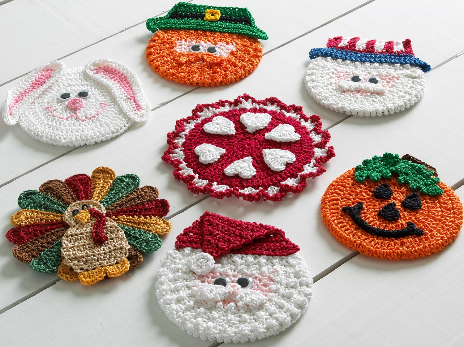 Free Crochet Santa Claus Coaster Pattern : Holiday CD Coasters Crochet Pattern PDF by Maggiescrochet ...