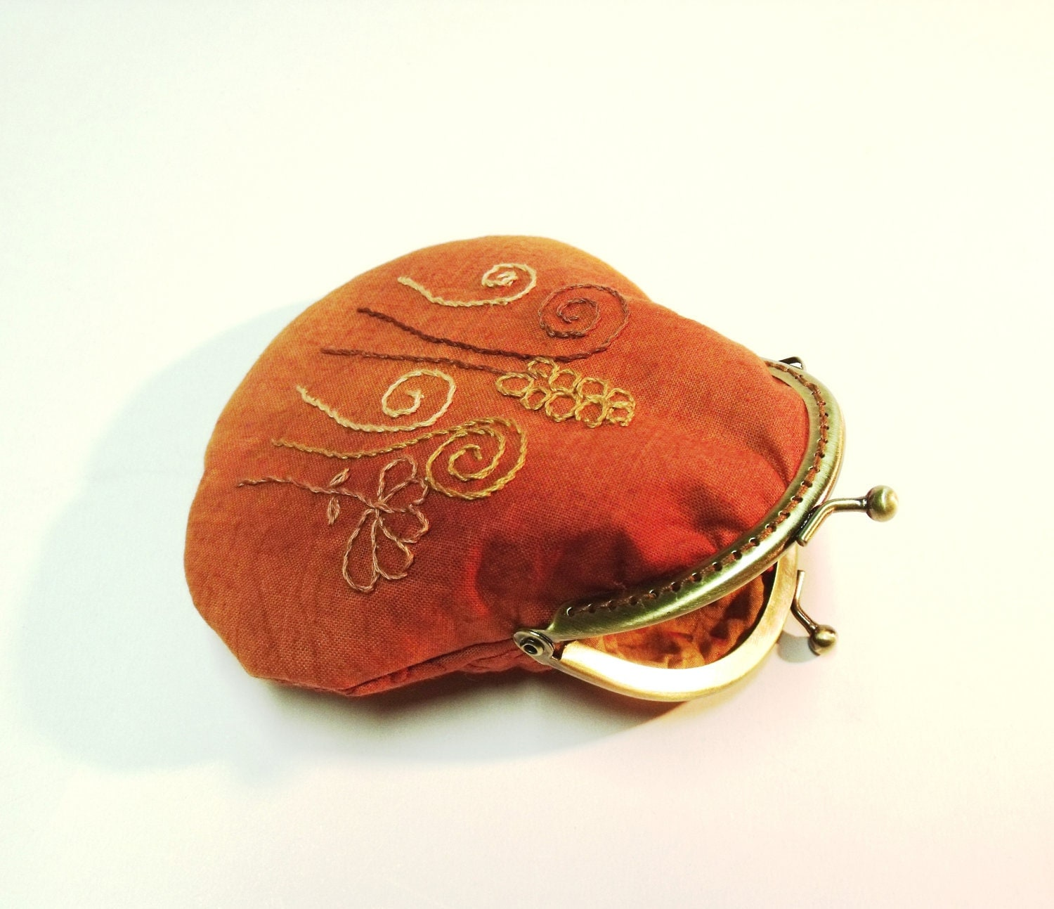 Coin frame purse with hand embroiedered in dead leaf color (curved bottom)