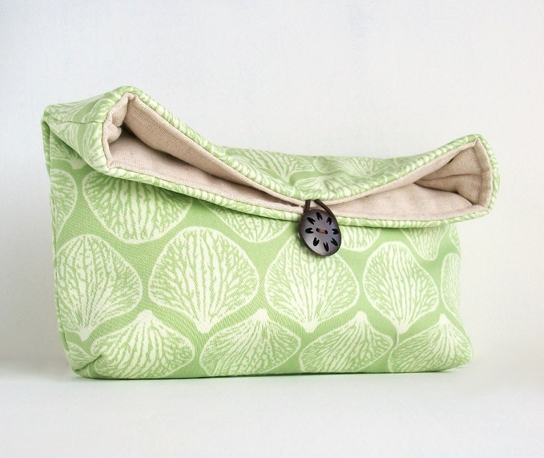 Makeup Bag, Spring Green and Ivory Clutch Purse, Great for Travel, Gift Under 25, Bridesmaid Gift - EdensWake