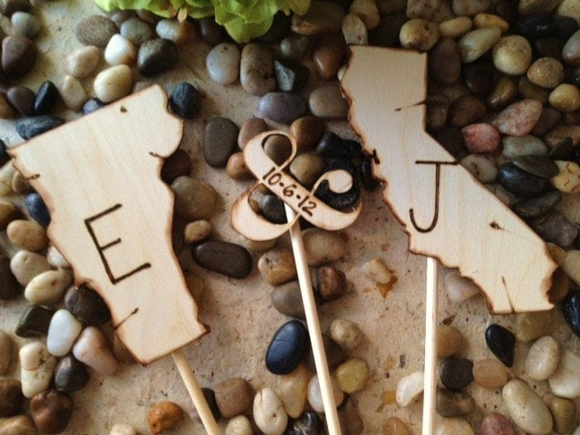 Wedding Cake Toppers Shaped in YOUR State with YOUR Initials and Wedding Date - 3 Piece Set Includes Ampersand with Wedding Date