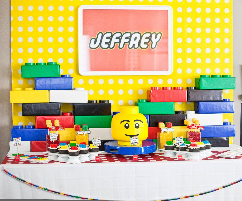 MODERNO Partido LEGO inspirado cumpleaños - Personalizado - Ingresar Nombre para imprimir