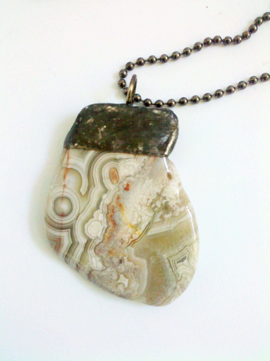 Crazy Lace Agate Crystal Healing Necklace Wiccan Talisman Celtic Charm Agate Pendant Necklace - Laughter Stone - Mystarrrs
