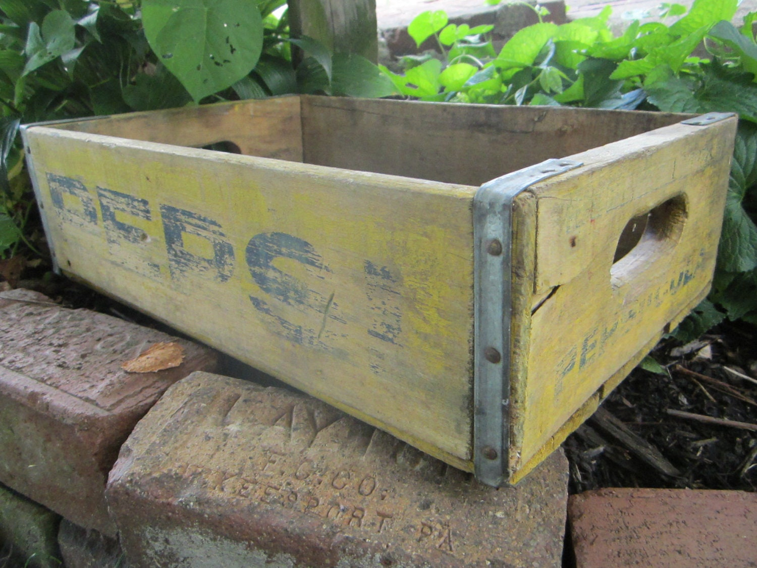 Marvelous photograph of Antique Wood Pepsi Crate Beverage Delivery by TheOldTimeJunkShop with #5FA328 color and 1500x1125 pixels