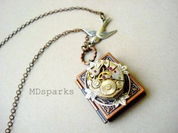 Steampunk Book Necklace a Locket in Copper - MDsparks