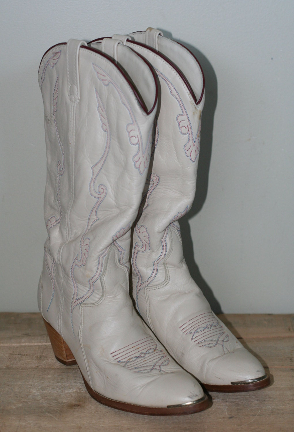 vintage womens high heel cowboy boots size 10 by tomtomvintage