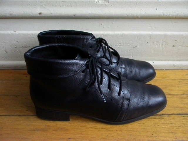 Size 9 5 Liz Baker Black Leather Lace Up Ankle Boots By