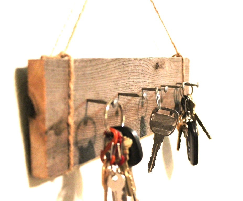 Wall key holder reclaimed wood cabin decor by bessiescreations - Keys holder wall ...