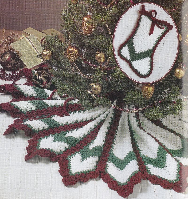 Crochet Xmas Tree Skirt : Christmas Tree Skirt Crochet Pattern - Polar Bear Afghan Pattern ...