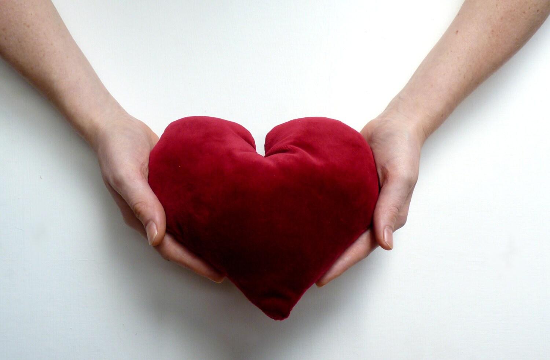 Valentines Day Decor // Valentines Love Heart // Valentines Gift // Valentines Pillow - LiveLoveSmile