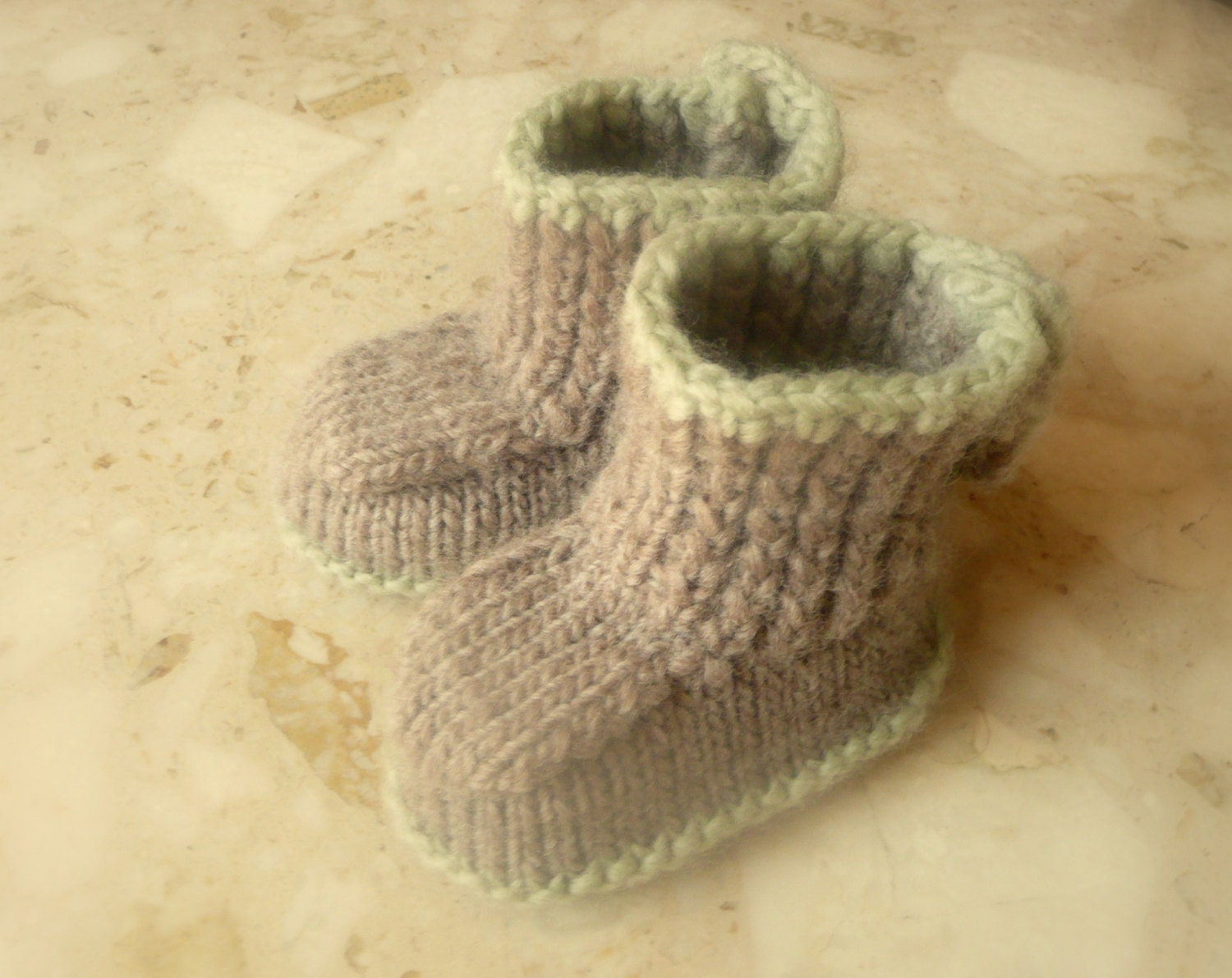 Instant DOWNLOAD Knitting PATTERN BABY Booties Seamless by ceradka