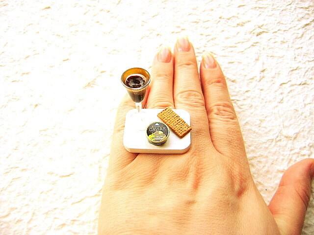 Wine Ring Caviar Cracker