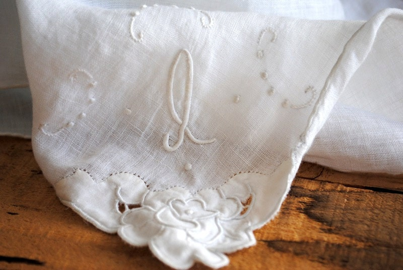 Set of 2 Vintage Handkerchiefs - Two Hankies White and Brown Embroidered Gift Set - labiblioteca