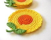 Flores amarelas Coasters Orange.  Mel Mostarda Golden Sun Green Leaves Decor Crochet Coleção Jardim Primavera - Conjunto de 4