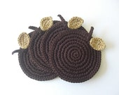 A Apple Coasters chocolate.  Beber bebidas creme Folhas Bege Cocoa Tea Syrup Coffee Brown Decor Madeira coleção Fruit Crochet