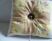 Quilted 004 ... vintage wedding ring pillow