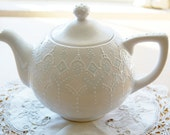 Victorian blue teapot handpainted with lace dotting - Dprintsclayful