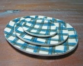 oval plaid dishes