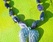 THE AMETHYST ANGEL Necklace Amethyst Nuggets with Bling Double Angel Wings Pendant