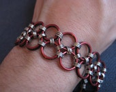 Reversible Chainmaille Bracelet - Black and Red Hodo