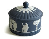 Wedgwood jasperware dark blue trinket box - TouchingThePast