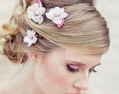 Wedding hair, Set of three flower bobby pins in ivory and pink - BeSomethingNew