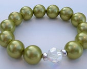 Pearl and Crystal stretchy bracelet - green
