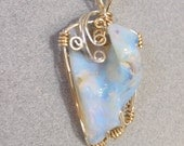 28CT AUSTRALIAN LIGHTNING RIDGE CRYSTAL OPAL WIRE WRAPPED PENDANT