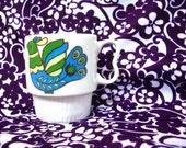 Vintage Cup -Mug - Retro- Bird