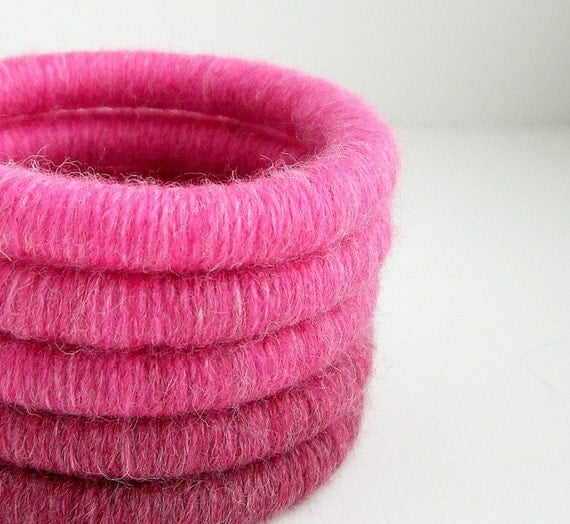 Price Reduced. Set of 5 Yarn Wrapped Stacking Bangles (1998-016F)   FREE SHIPPING